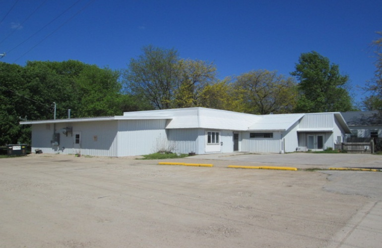 212 River Ave. South- Belmond- wright- Iowa- United States 50421,Commercial,River Ave. South,1040